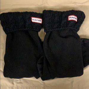Hunter black crochet / fleece boot socks
